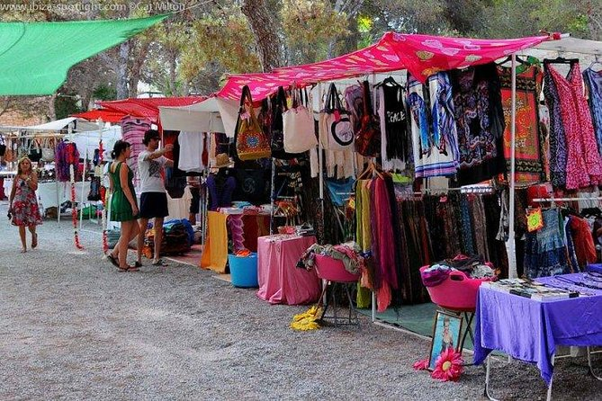 Guided tour: Island Tour and Punta Arabi Local Market