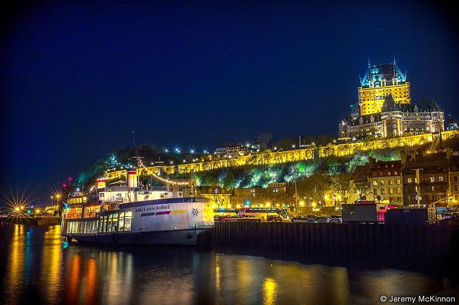 Quebec City Gourmet Dinner Cruise with Circus Performance