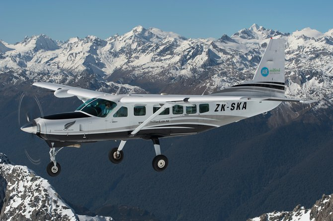 Milford Sound Full-Day Tour from Queenstown Including Scenic Flight