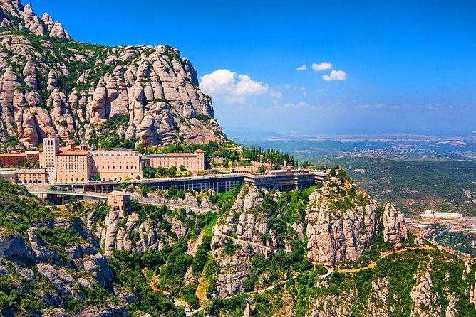 Private Montserrat Tour with Hotel pick-up from Barcelona
