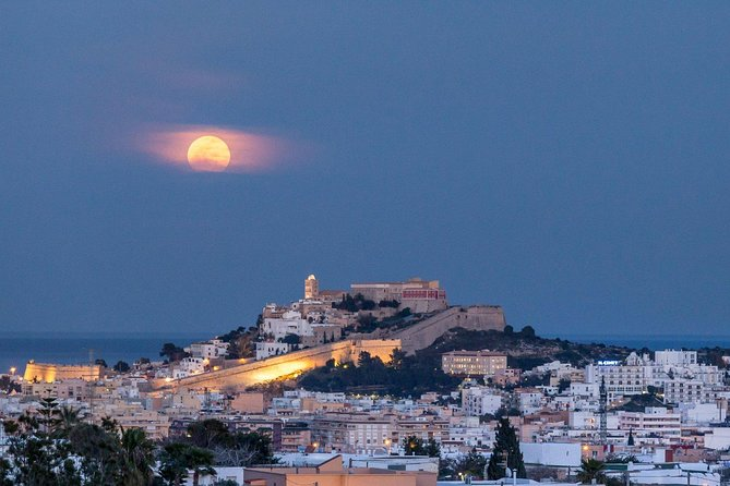 Guided tour: Ibiza at night with Old Town visit