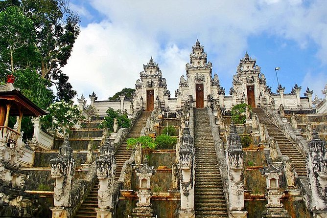 Private Full-Day Tour Lempuyang temple Combination Tirta Gangga & Virgin Beach