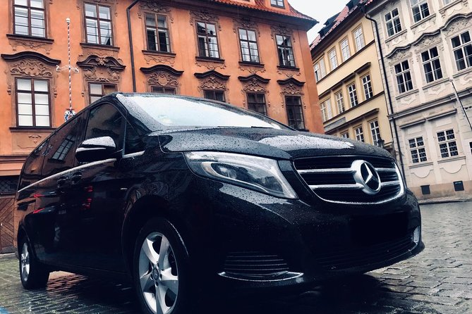 Book Here Your Private Transfer from Prague to Passau for 2-8 people