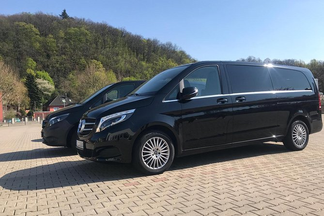 Book Here Your Private Transfer from Passau to Prague for 2-8 people