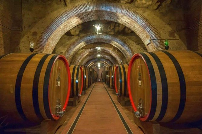 Wine tour & Montepulciano artisans