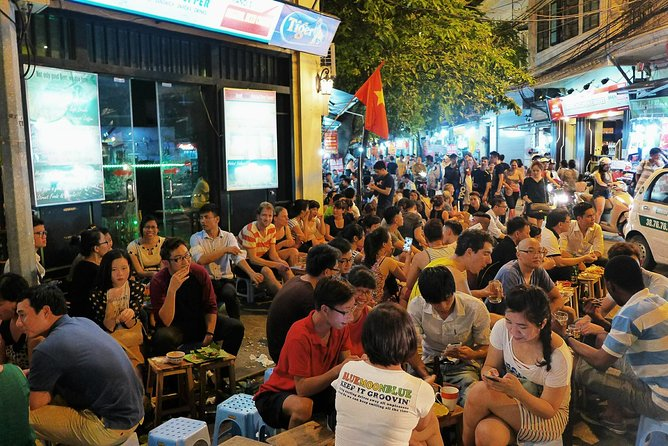 Hanoi: Small Group Street Food Walking Tour By Night photo 4