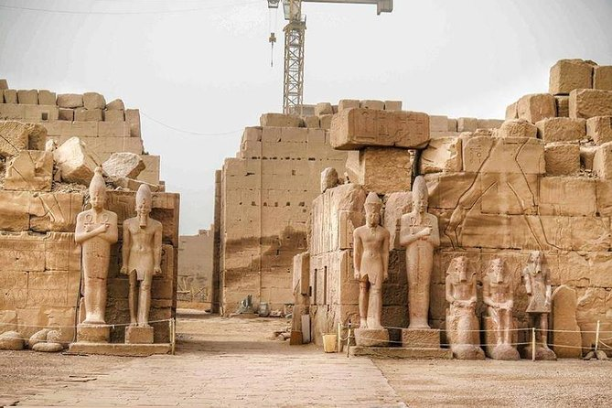 Cairo : Luxor East and West Banks Tour by Overnight Seated Train Rounded trip