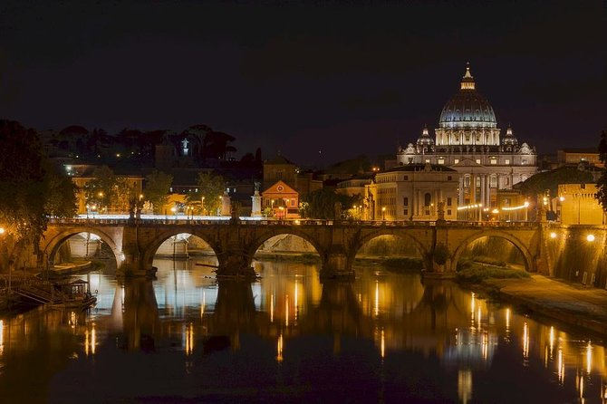 Rome by Night: 3-Hour Small Group Tour with private driver