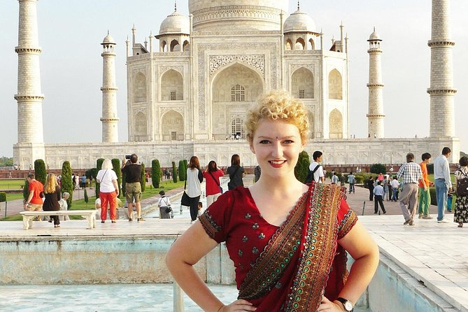 Private one day tour of tajmahal with vridavan temples in car ,guide and lunch