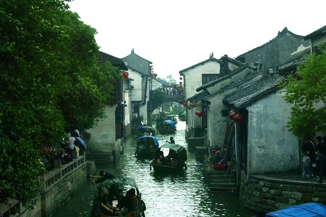 Private Luzhi Water Town Tour from Shanghai With Chinese Lunch