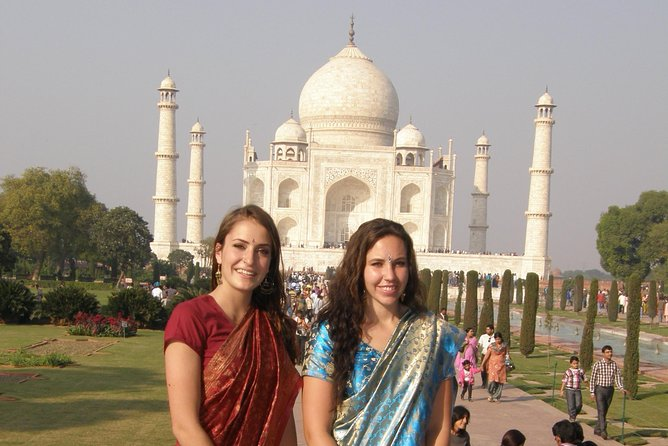 Overnight luxury tour of tajmahal with Jaipur including transport and hotel