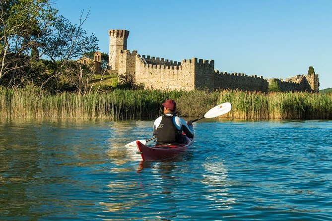 Day Trip: Experience kayak + Lunch At Lake Trasimeno + Assisi Private Tour + aperitif