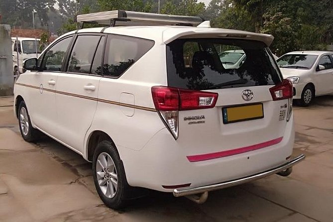 Delhi Airport To Agra Hotel Transfer by Private AC Car