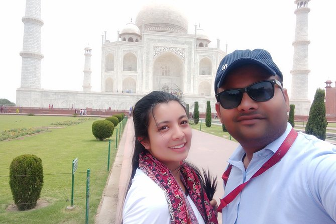 Taj mahal tour by super fast train with lunch (All including)