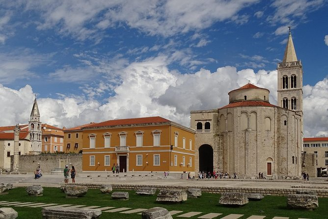 Private Transfer from Split to Zadar with 2 Sightseeing Stops