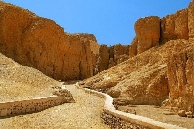 Ganztagestour durch das Ost- und Westufer von Luxor aus