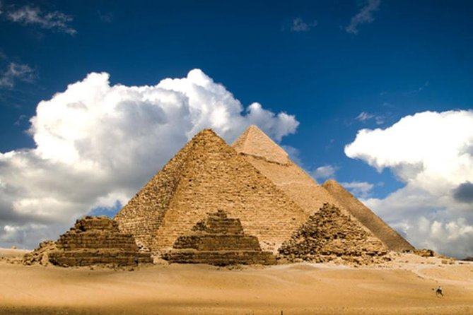Private Cairo Day Tour Giza Pyramids & Egyptian Museum + Bazaar