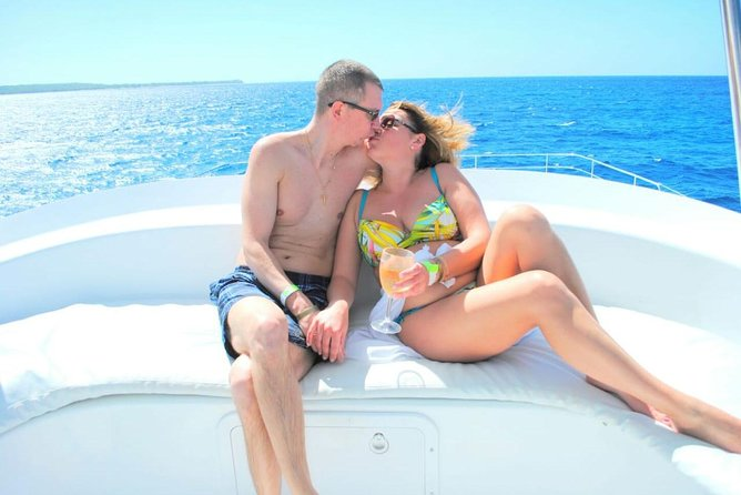 Saona Island Paradise by Catamaran and Speed Boat and Snorkel