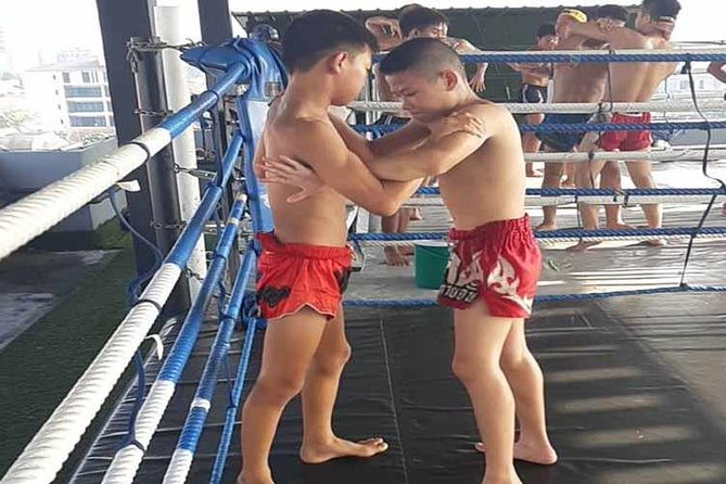 Thai Boxing Lesson, family and Kids Friendly