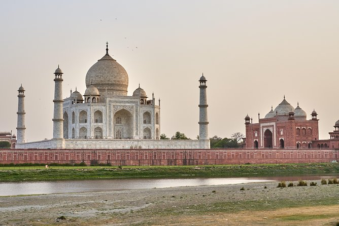 Same day Taj mahal and agra fort tour by car