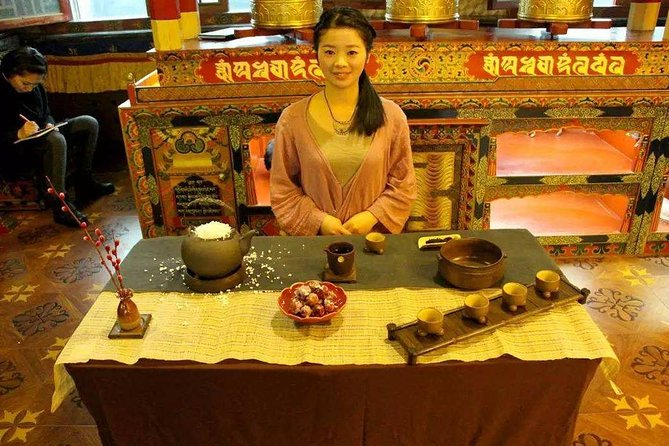 Beijing Summer Palace and Buddhism Theme Teahouse Visit with Meal and Boat Ride