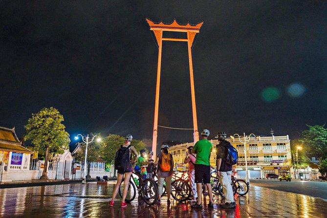 Evening Biking Bangkok at night