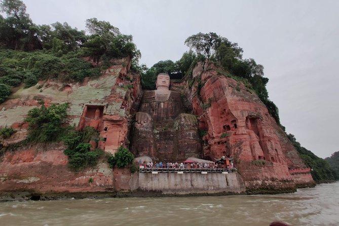 Chengdu panda base and Leshan Giant Buddha one day tour