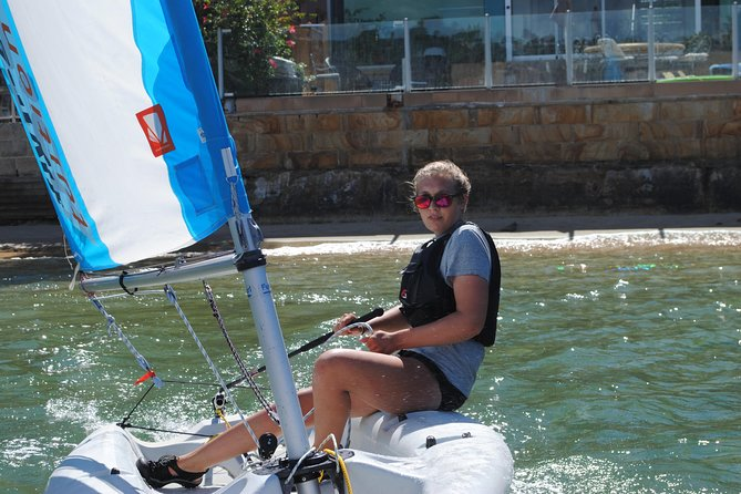 Dinghy sailing group lessons