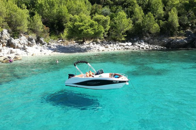 Half-Day Best Beaches & Bays Private Speed Boat Tour