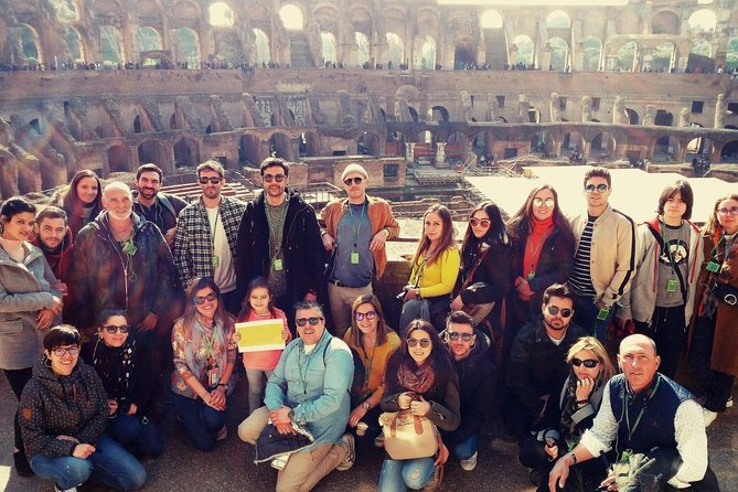 Skip the Line: Colosseum, Forum and Palatine Tour in Spanish