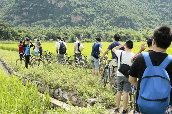 Full-Day Mai Chau Tour from Hanoi Included Lunch and Biking