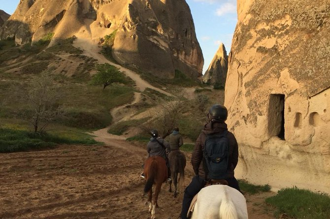 4-Hour-Horsebackriding-Tour through Cappadocia photo 4