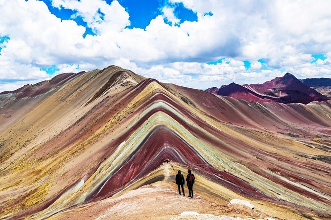 Trek through the mountain of colors Vincunca-Cusco