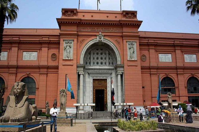 Private Day Tour to Egyptian Museum and Cave Church, Old Cairo