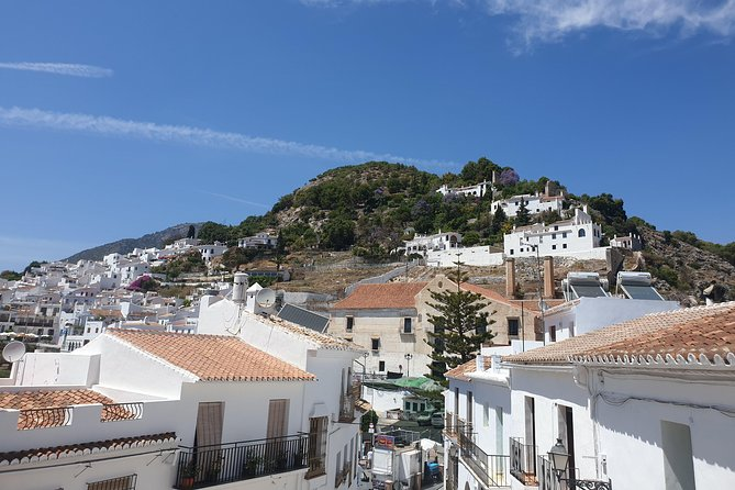 Excursion from Nerja to Frigiliana including beverages and tapas