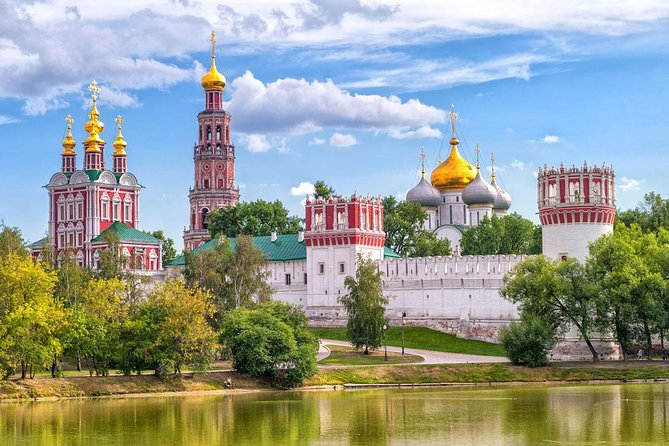 Tour Of Novodevichiy Monastery And Surrounding Grounds