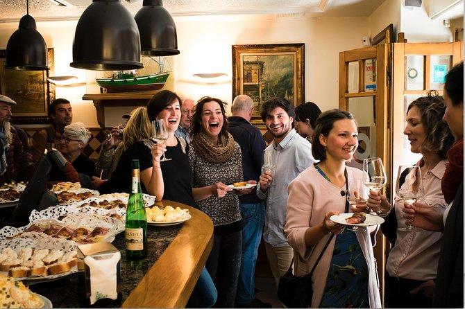 San Sebastian Lunch Time Pintxo Tour with Wine