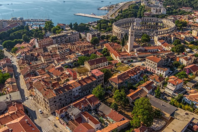 Private Transfer from Split to Pula with 2 Sightseeing Stops