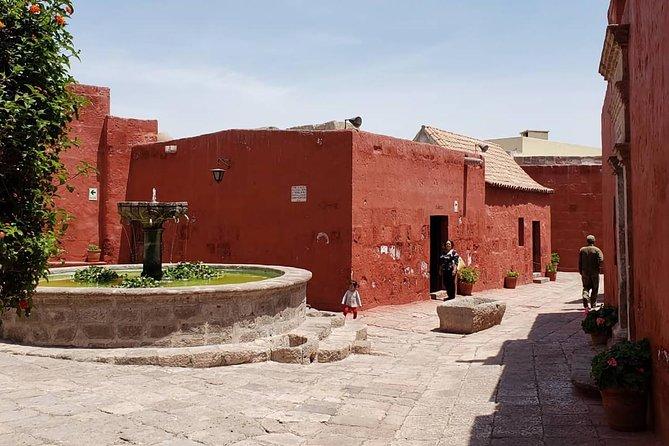 Arequipa: City Tour - Santa Catalina Monastery and Yanahuara