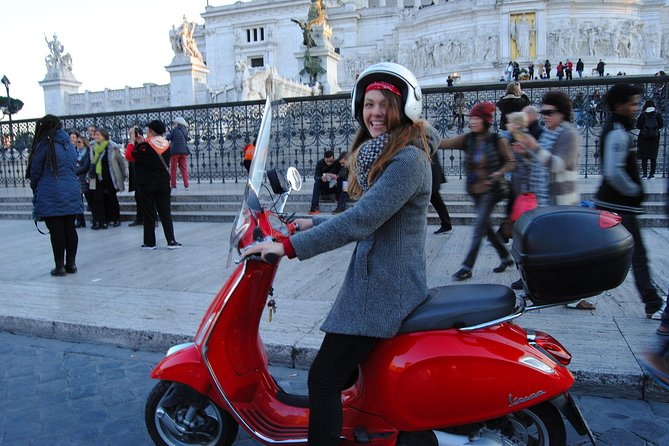 Fast and Curious: Vespa 125cc Half-Day Rental in Rome