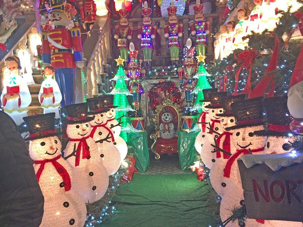 Brooklyn Christmas Lights Walking Tour at Dyker Heights