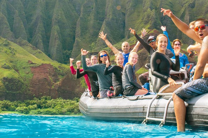 Na Pali Coast Snorkel and Rafting Adventure