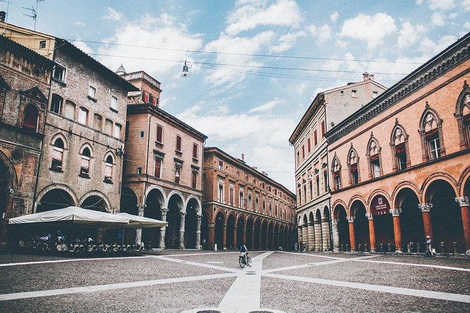 A half day in Bologna with a local: private & personalized photo 8