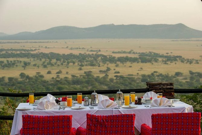 4 Days Tanzania Family Luxury Safari photo 11