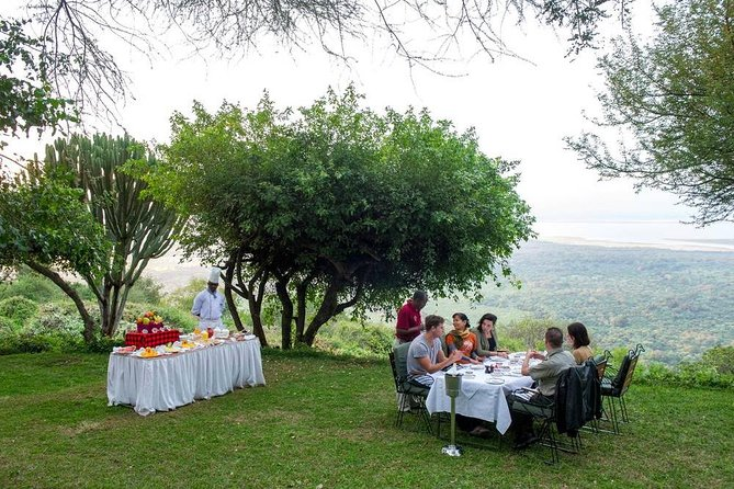 4 Days Tanzania Family Luxury Safari photo 4