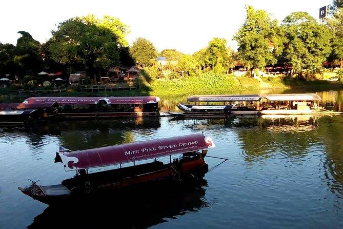 Gita di Mezza Giornata in Barca sul Fiume Mae Ping da Chiang Mai, con Pranzo in Fattoria Incluso