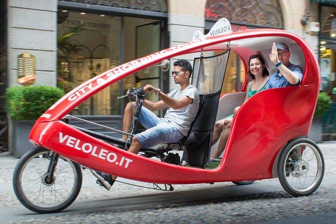 Two Hours Sightseeing Tour in Rickshaw in Milan
