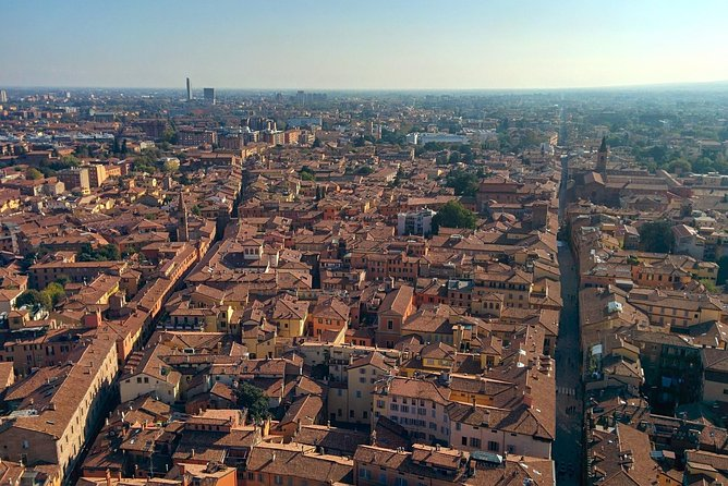 A half day in Bologna with a local: private & personalized photo 12