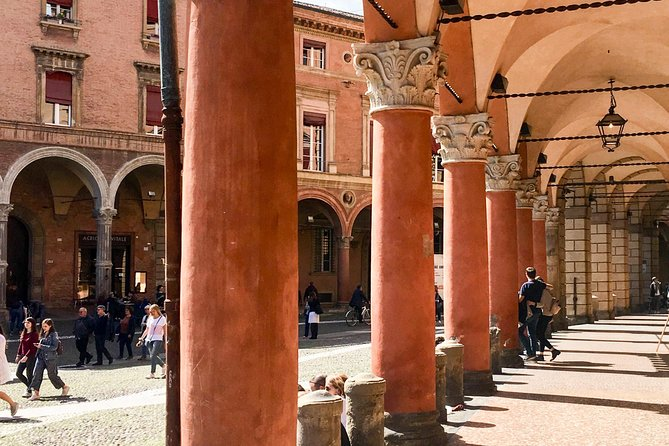 A half day in Bologna with a local: private & personalized photo 9