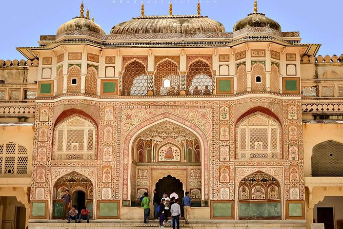 Jaipur, a heritage city- same day sightseeing